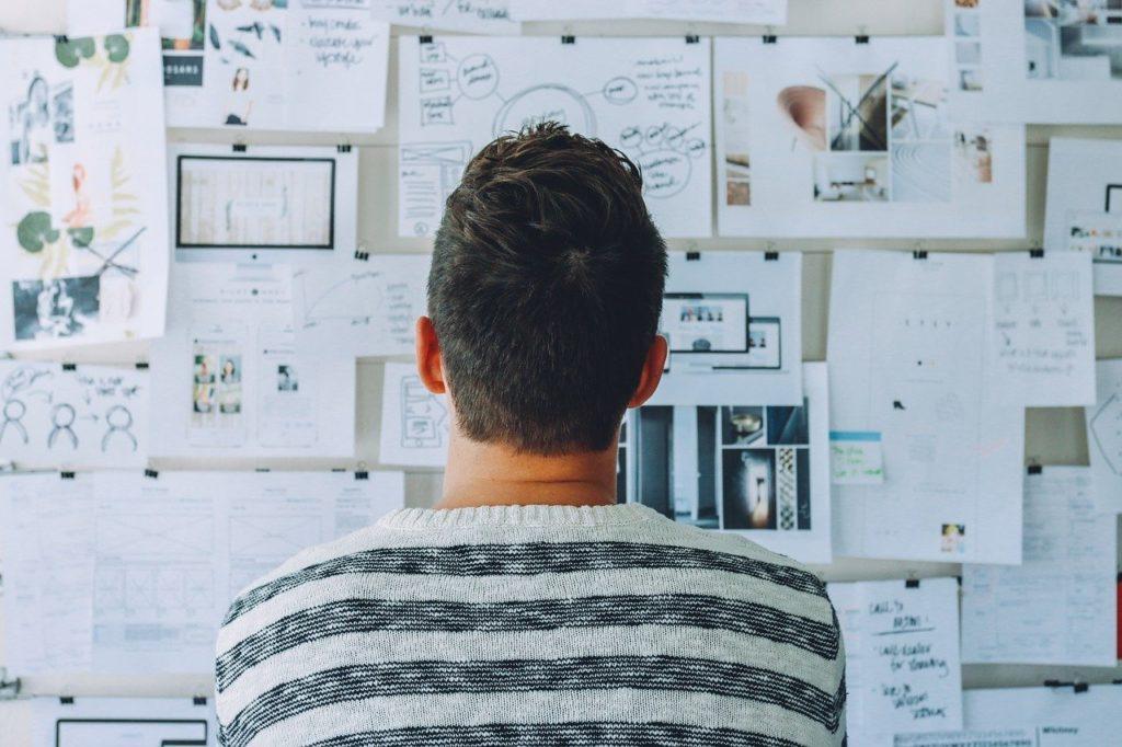 startup, whiteboard, room-3267505.jpg